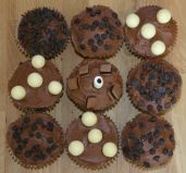 chocolate muffins - Chocolate fudge cake muffins with chocolate frosting
