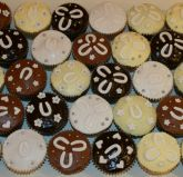 horseshoes - Muffins in a mixture of 5 different flavours.