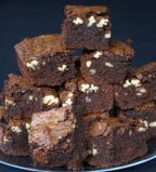 chocolate & pecan brownies - Gooey rich chocolate brownies, which aren't too sweet