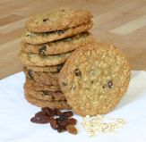 Oat & Sultana Cookies - Butter rich cookies, crunchy on the outside and chewy on the inside, filled with rolled oats and sultanas.